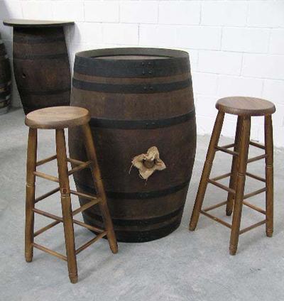 Muebles rusticos de barricas barriles y toneles for Bares rusticos decoracion